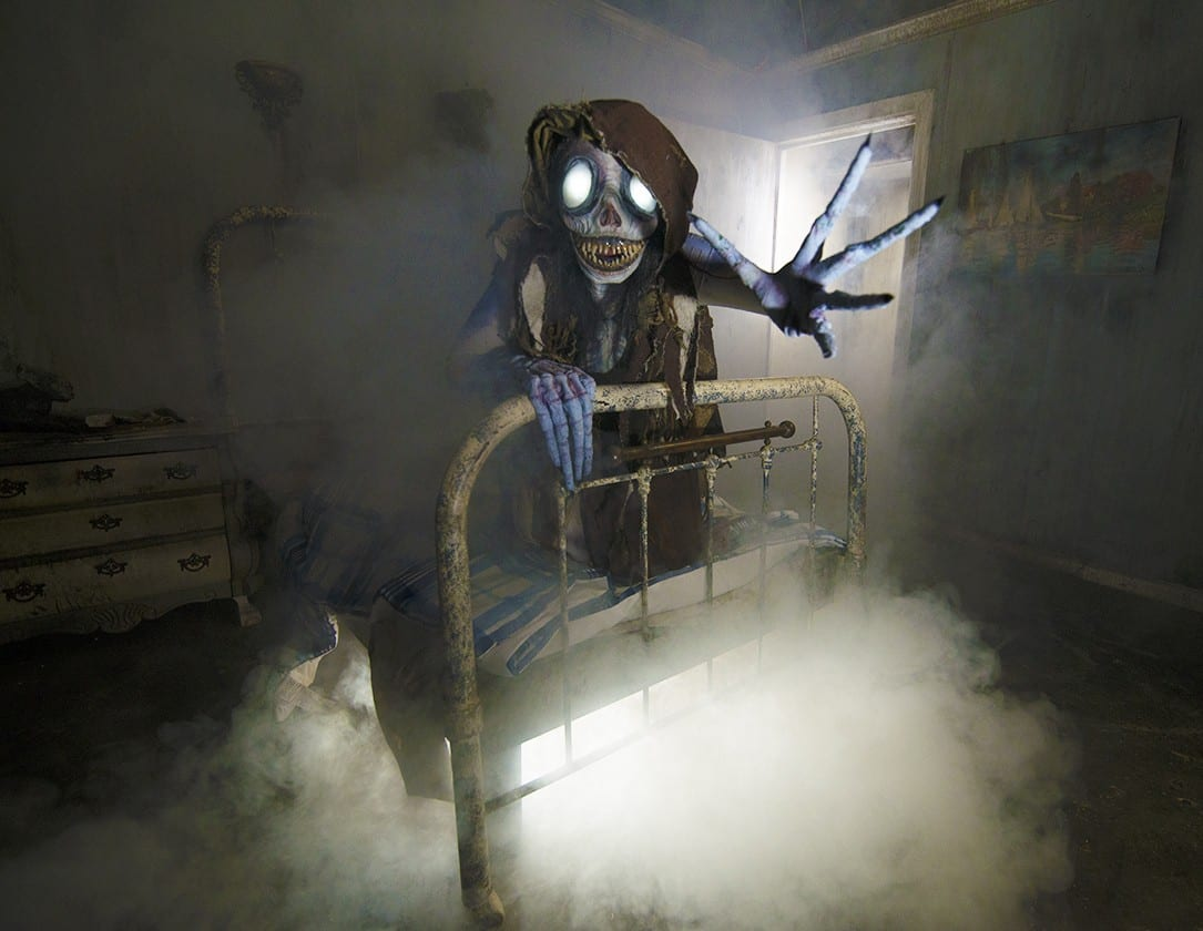 Long Islands Largest Haunted House Tour Packages