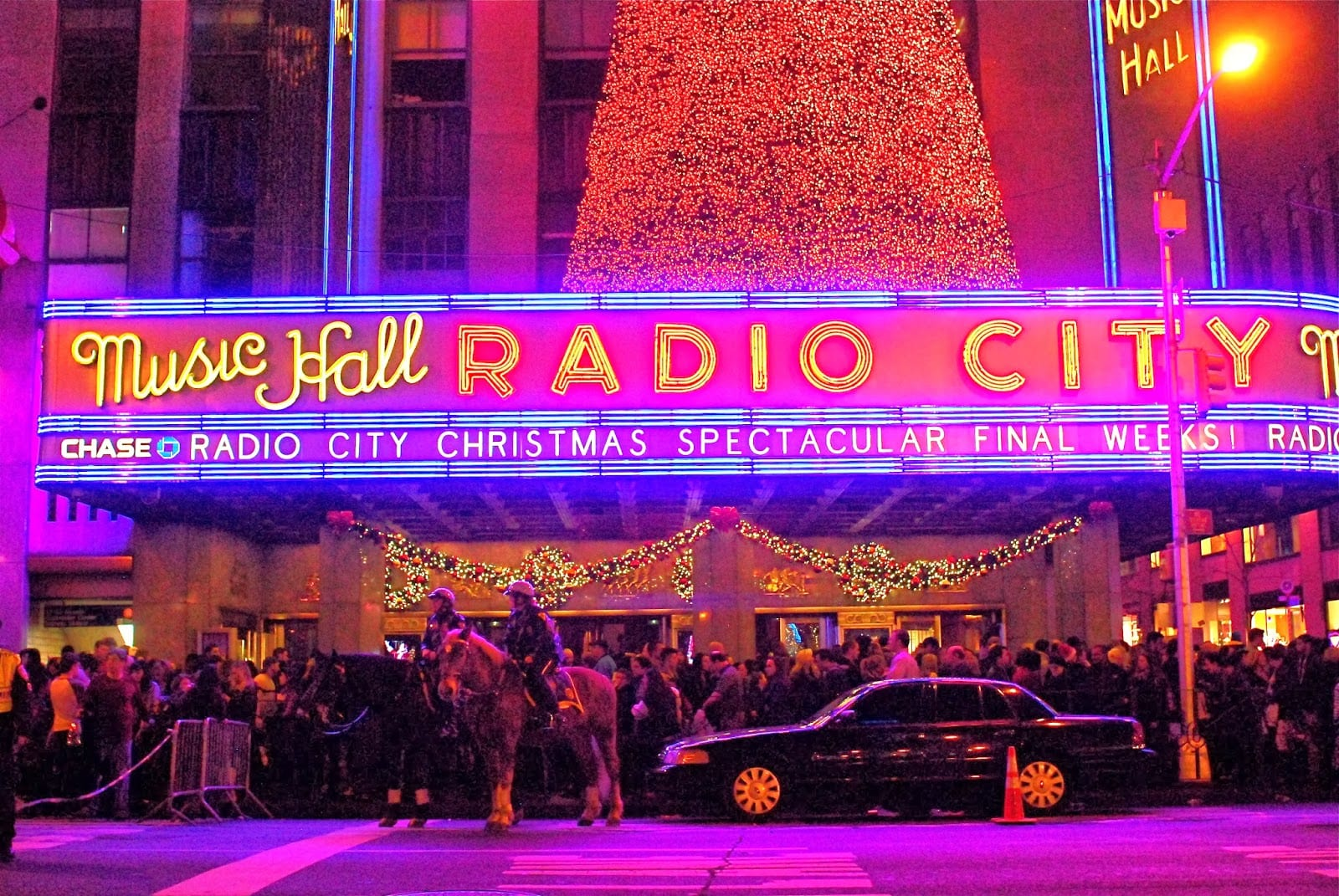 radio city christmas light spectacular show metro limousine service - How Long Is The Radio City Christmas Show