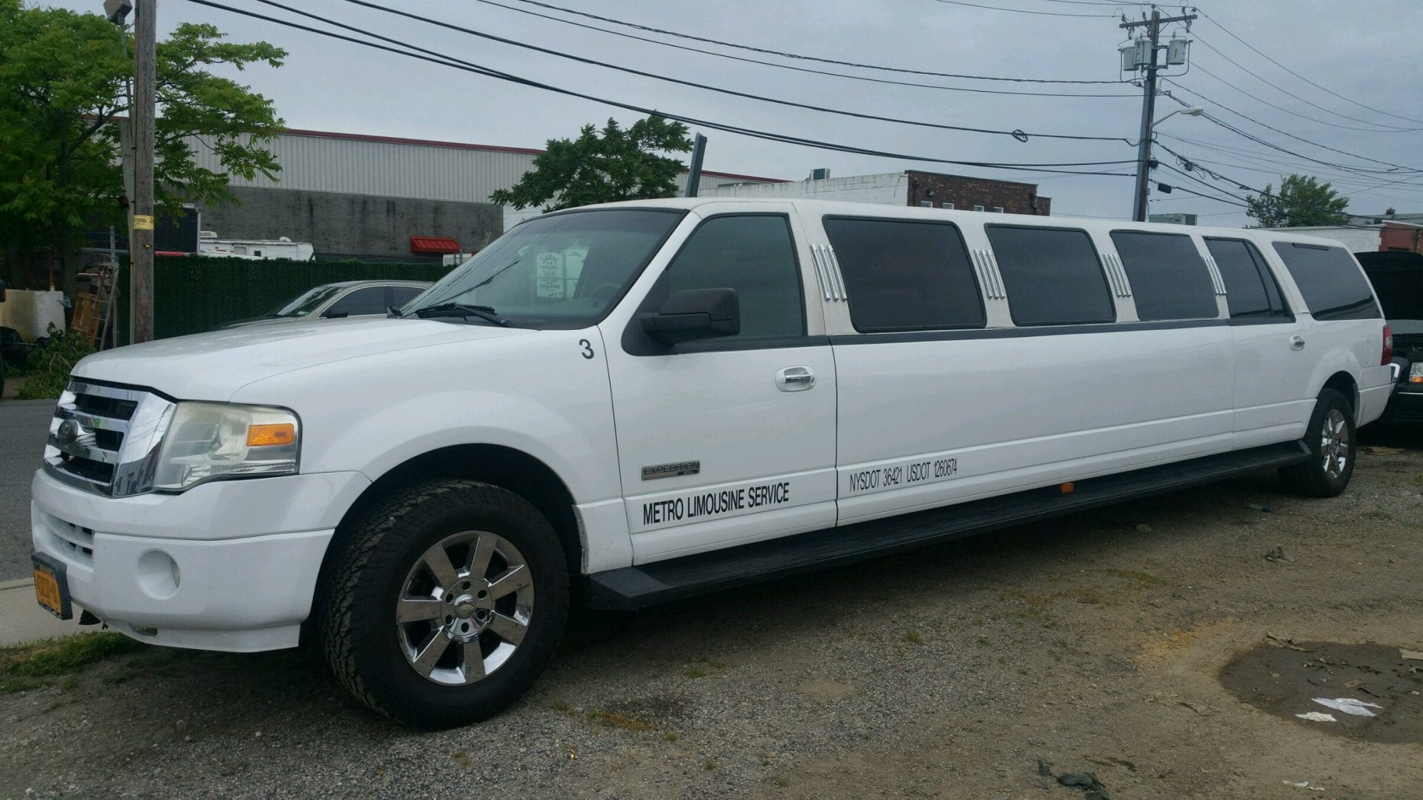 showroom - 14 Pass Stretch Ford Expedition SUV Limousine