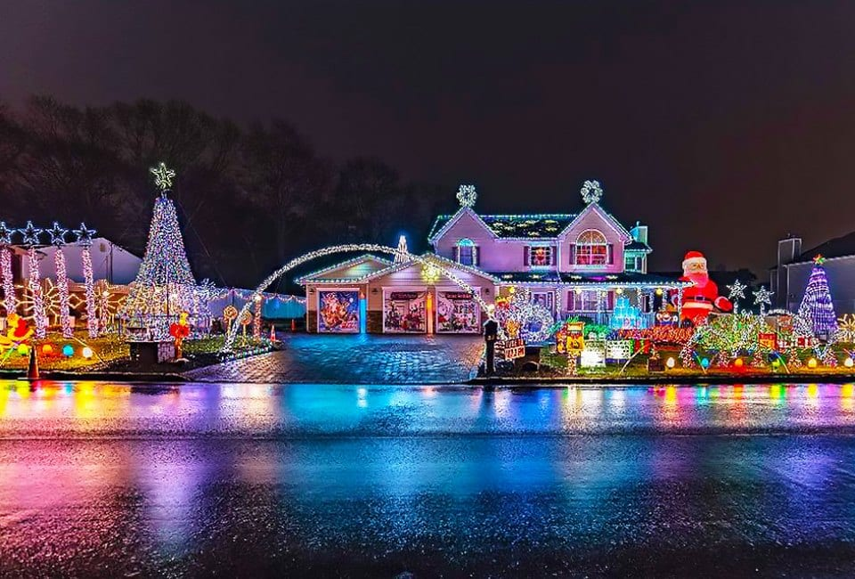 Christmas Light Tours in Long Island NY