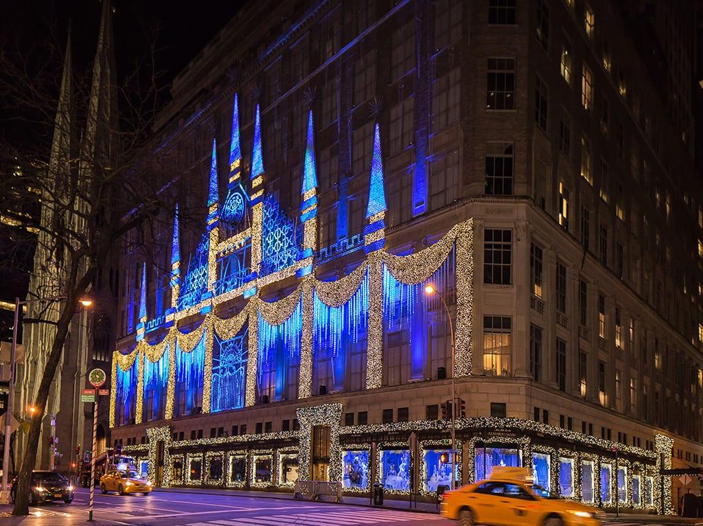 Saks 5th Avenue Christmas Light Show - Metro Limousine Service