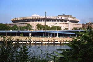 Yankee Stadium Tours with Metro Limousine Service